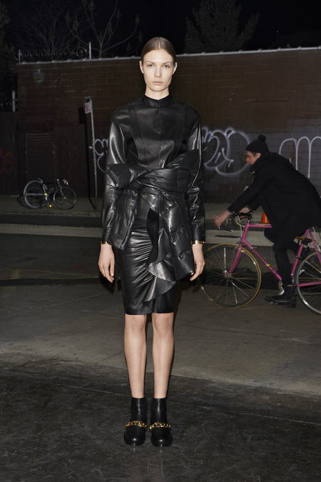 givenchy_029_1366.450x675