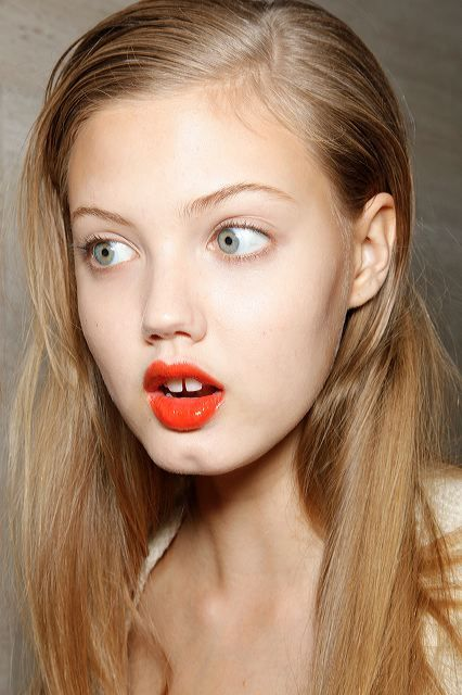 girl-lindsey-wixson-model-red-lips-Favim.com-156674