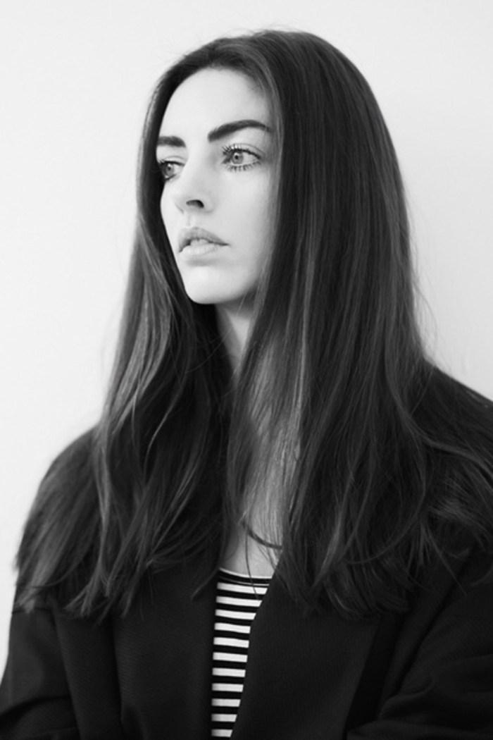 RoseCholmondeley-Vogue-11Apr13-AndrewG_b