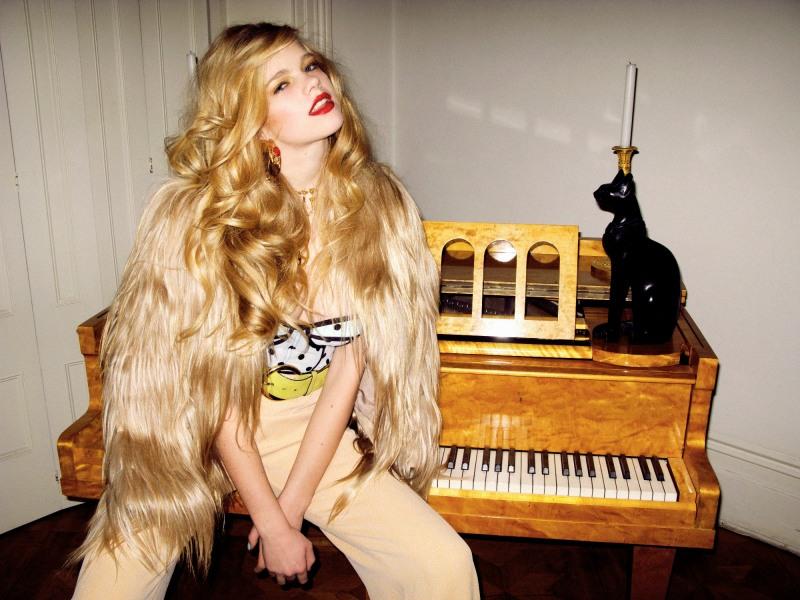 Valerie-van-der-Graaf-by-Kate-Bellm-Miss-Haute-Haute-Muse-Spring-2012-6
