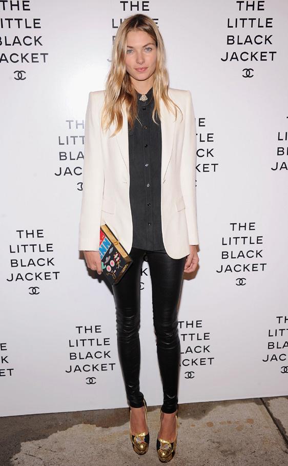 the_little_black_jacket_de_chanel_332989547_562x908